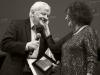 Perrin riceve il Fellini da Claudia Cardinale